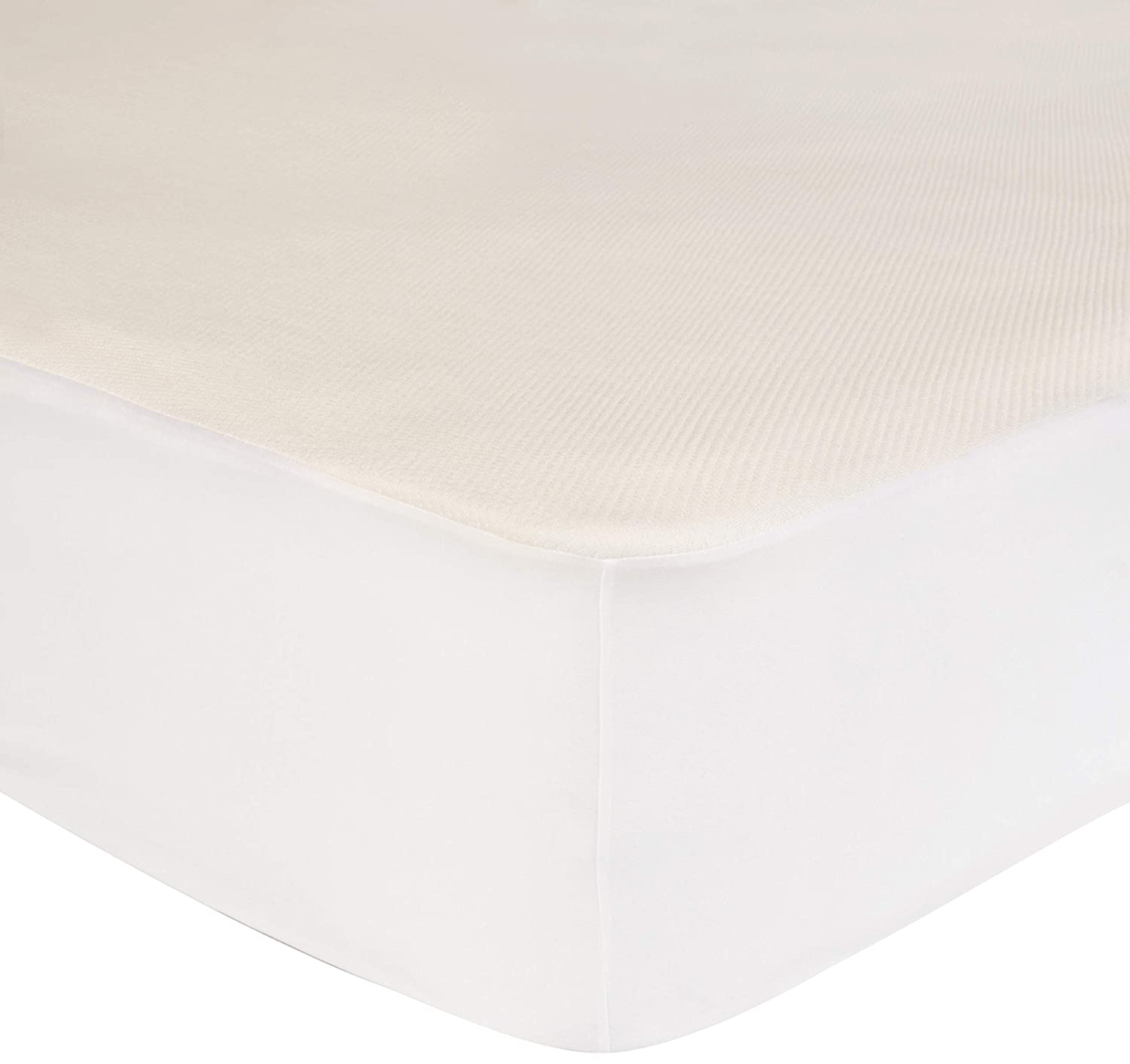 AmazonBasics Conscious Series Cool-Touch Rayon Bamboo Mattress Protector - Queen