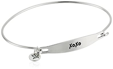 0eb96841800e8 Amazon.com: Chamilia XOXO Medium/Large Silver Bangle Bracelet: Jewelry