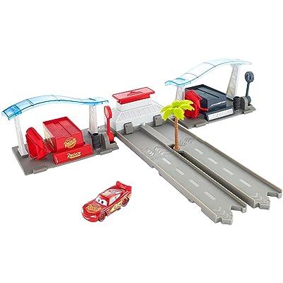 Disney Pixar Cars 3 Florida Speedway Pit Stop Playset: Toys & Games