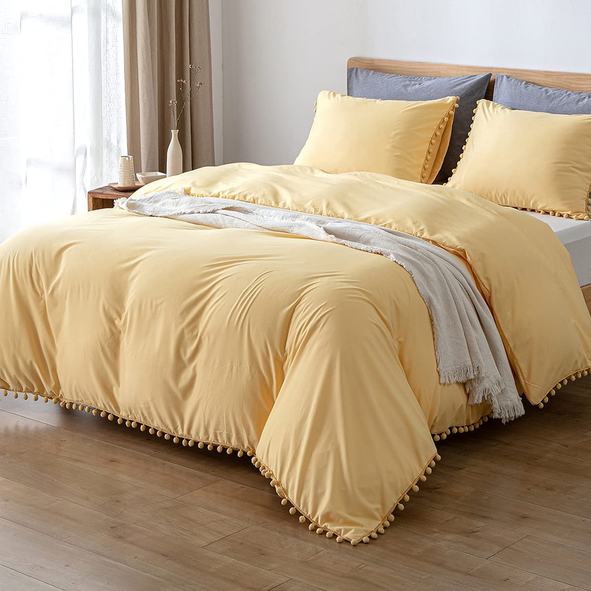 MWL Animer and price revision Toy Pom Fringe Duvet Cover 1 Yello Size trend rank Pieces 3 Queen