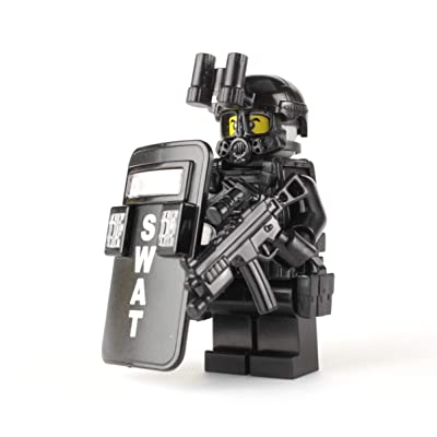 Battle Brick SWAT Police Officer Pointman (SKU50) Custom Minifigure: Toys & Games