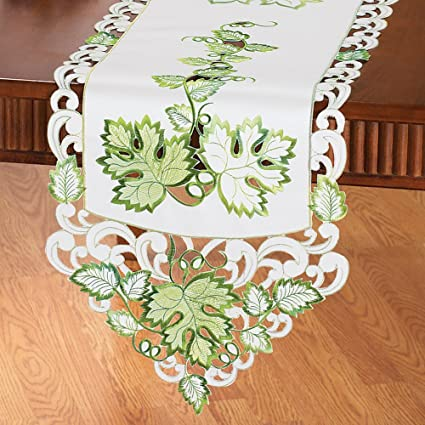 Amazon Collections Etc Cut Out Embroidered Leaf Table Linens