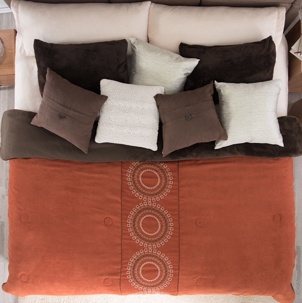 LIMITED EDITION BOLONIA CIRCLES EMBROIDERED SUEDE BLANKET WITH SHERPA VERY SOFTY THICK AND WARM KING SIZE
