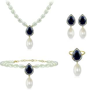 طقم مجوهرات من ذهب 18 قيراط ومزين بالماس 0.60 قيراط وياقوت هندي ملكي ازرق ولؤلؤ 13 ملم، من فيرا بيلا - اربع قطع