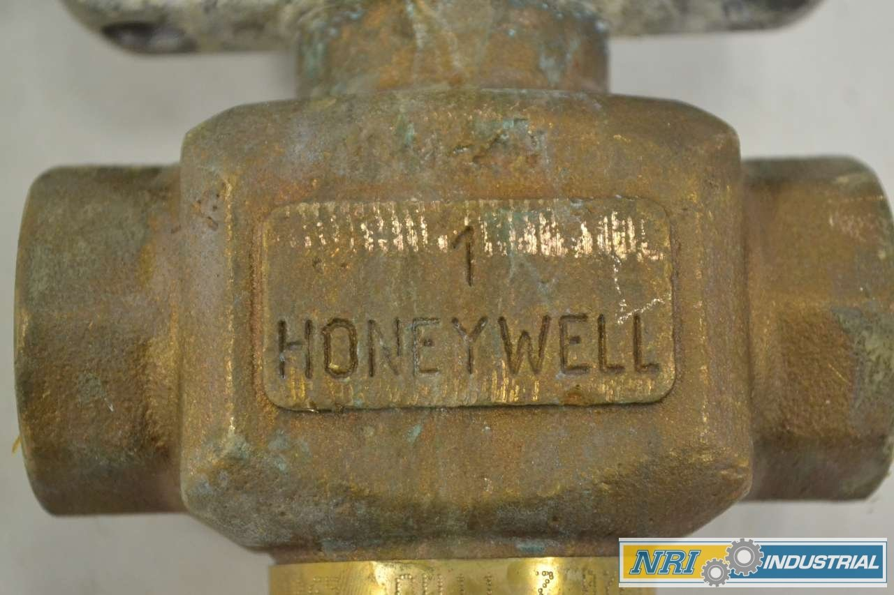 HONEYWELL V5011N1065 MP953C 1026 2 Actuator Brass 1 in NPT Globe Valve B342295