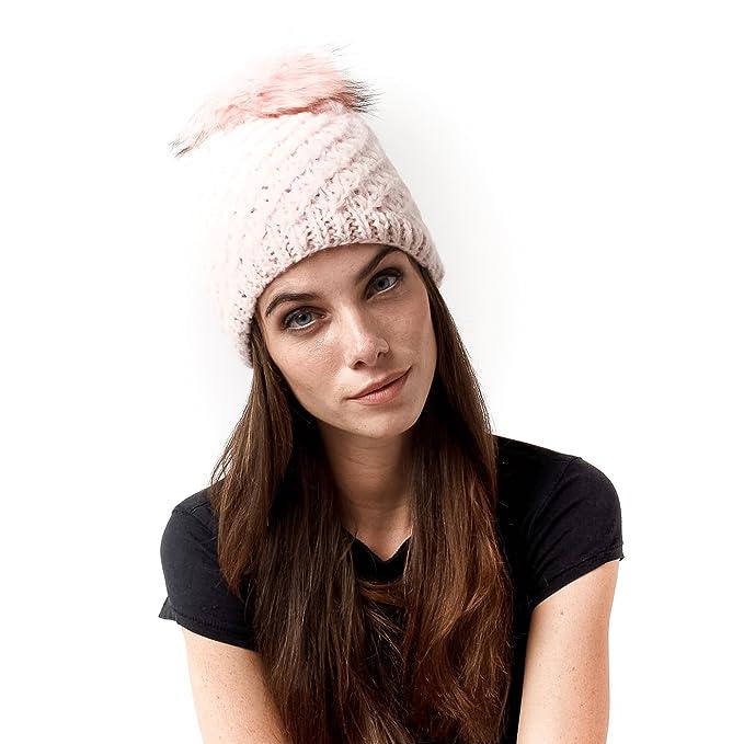 Cappello cuffia pon pon pelo di color rosa  Amazon.it  Abbigliamento 394d5533caf3