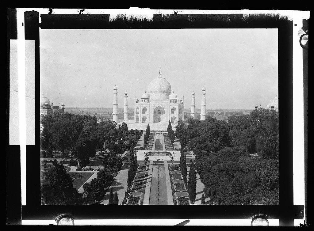 Vintography 24 x 30 Giclee Unframed Photo Taj Mahal Agra India 1908 Detriot Publishing co. 44a