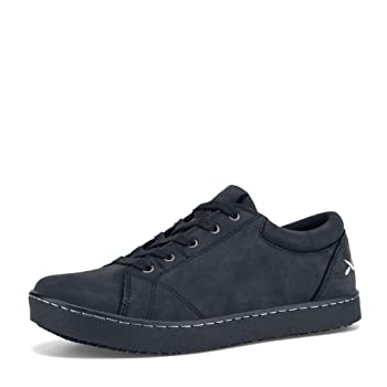 non slip tennis shoes womens