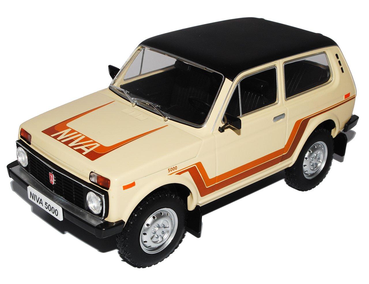 Ixo Lada Niva 1600 Beige 1/18 Modell Auto mit individiuellem Wunschkennzeichen