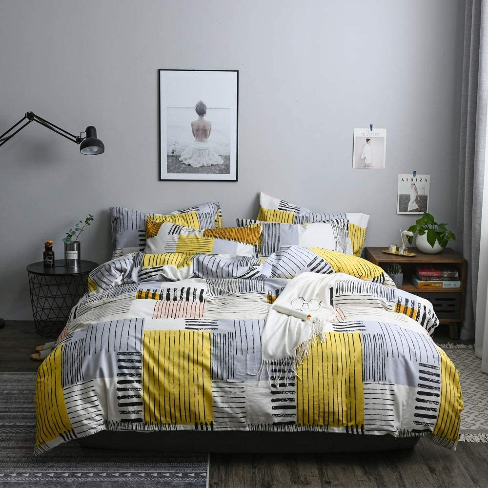 Yellow White Black Gray Checkered Bedding Set with Zipper Closures, Breathable, Hypoallergenic