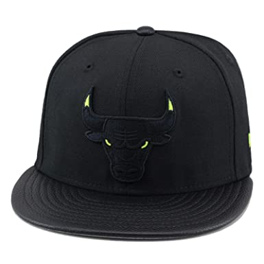 624e201d045 Amazon.com  New Era Chicago Bulls Black Neon Green Eyes Fitted Hat ...