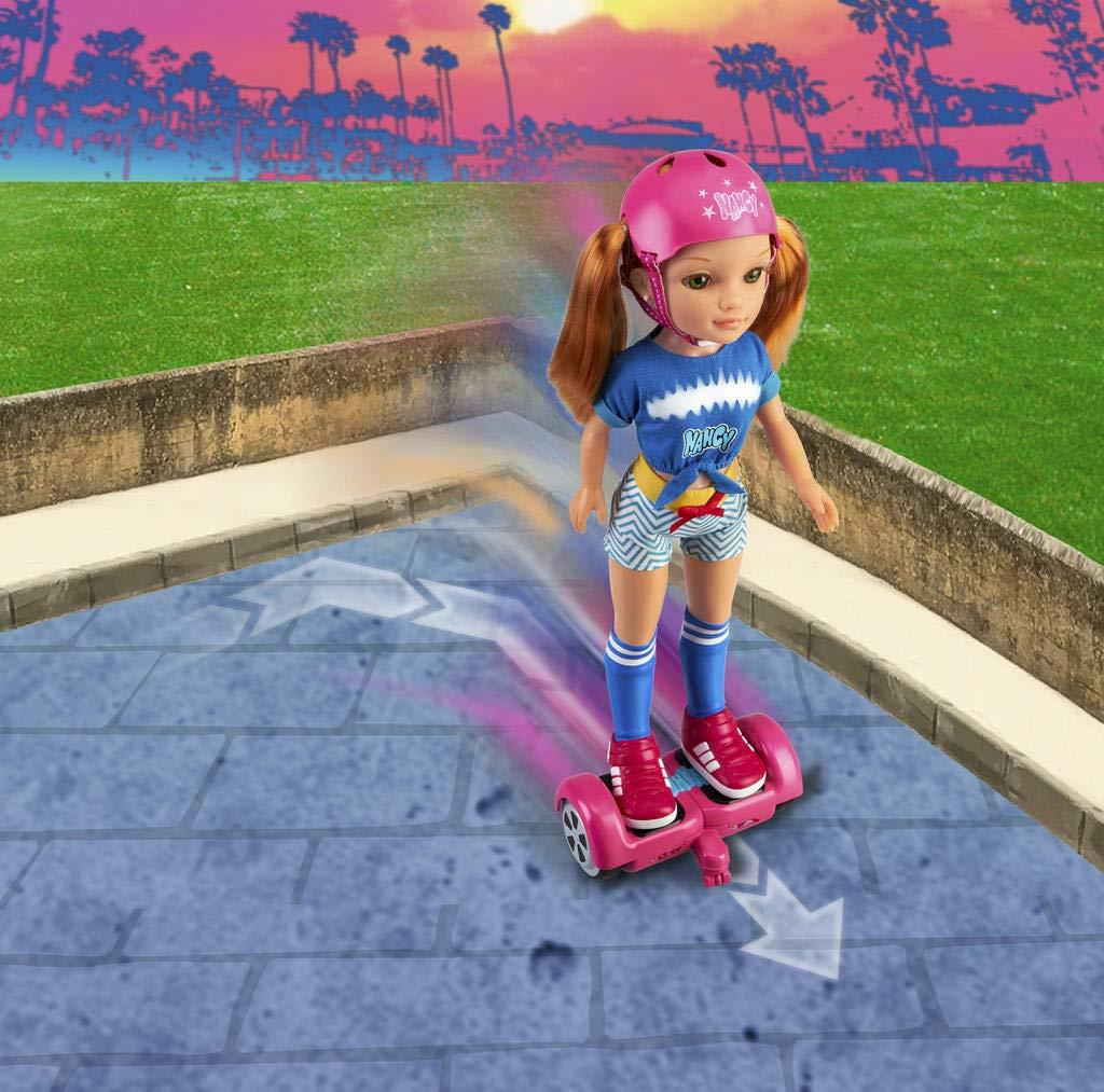 Famosa 700015134 Nancy Mu/ñeca Mec/ánica con Patinete Hoverboard para Ni/ños y Ni/ñas a Partir de 3 A/ños Un D/ía con Mi Hoverboard Multicolor