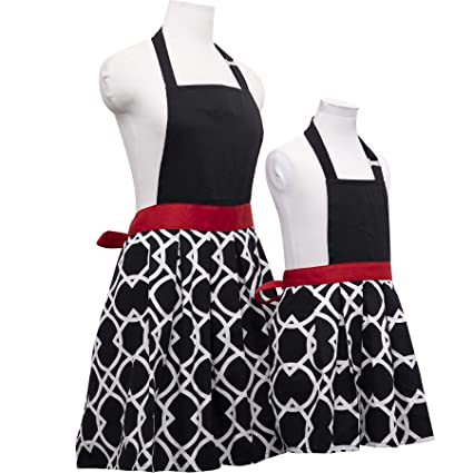44296221674d Amazon.com: Basicome Matching Kitchen Apron Set for Mother and Daughter  Clothes, Style Joyce, Black Ink: Home & Kitchen