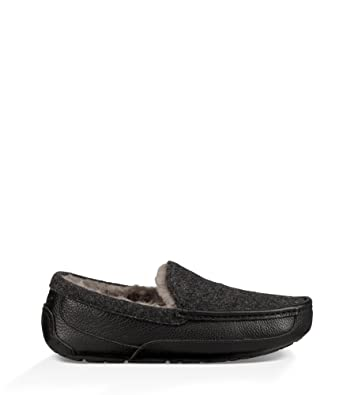 UGG Men's Ascot Novelty Black 17 ...