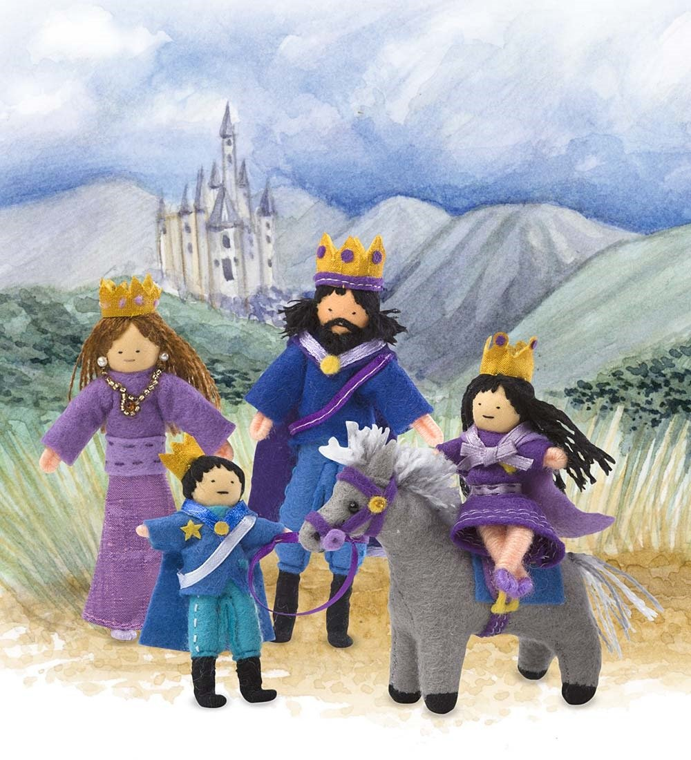 royal family halfpenny dolls of 5 posable handcrafted with carrying
