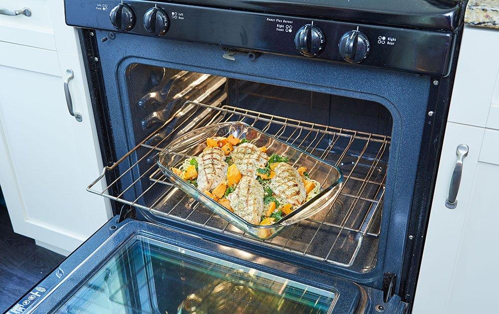 Anchor Hocking Oven Basics 4Piece Bake-N-Take Bakeware Set, Pepper Gray by Anchor Hocking (Image #3)