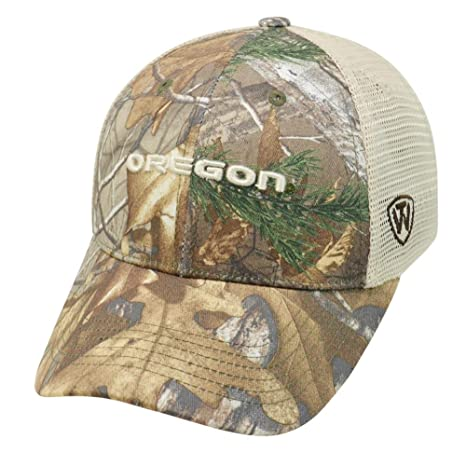 newest 7525c 7b355 Image Unavailable. Image not available for. Color  University of Oregon  Ducks Realtree Camouflage Mesh Trucker Hat