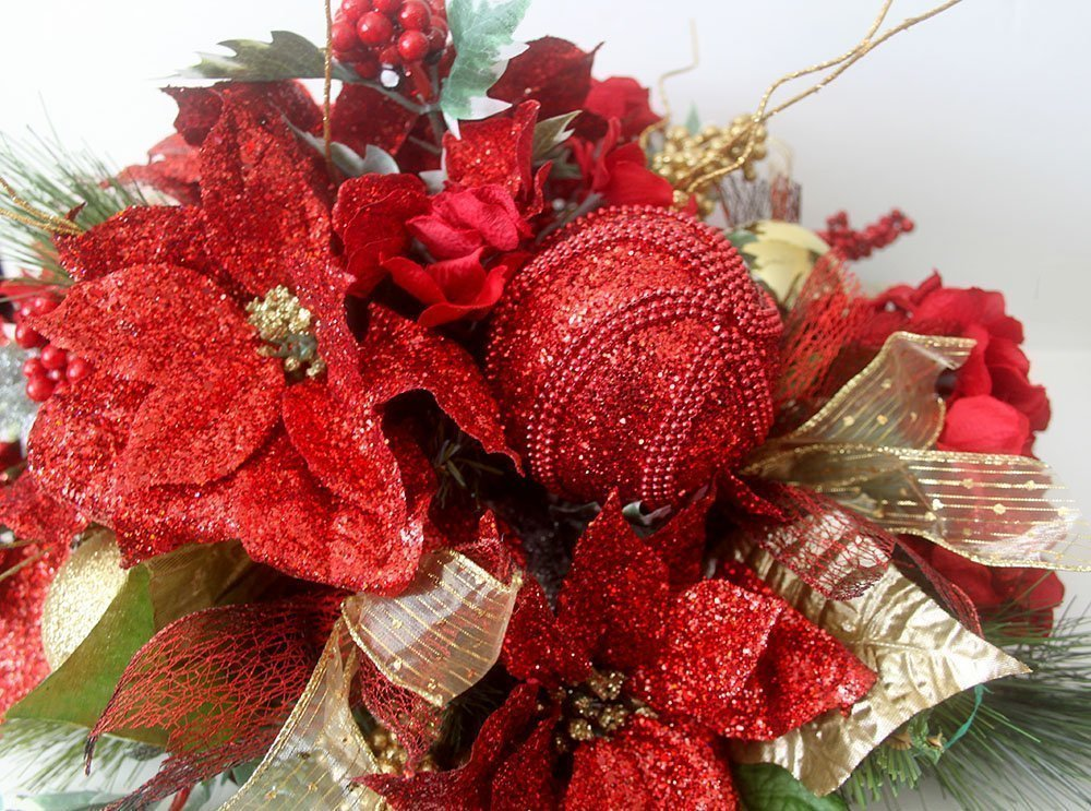Christmas table centerpiece, red Holiday Table Dé cor, oblong Christmas Arrangement, floral arrangement, holiday arrangement