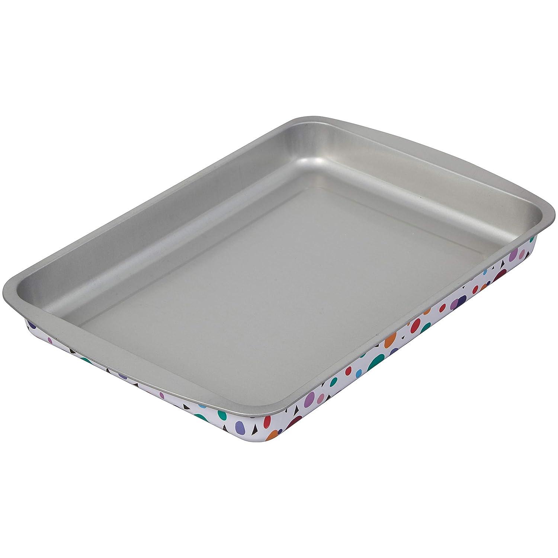 Amazon.com: Wilton Triangle Print Birthday Cake Pan and Decorating Set, 3-Piece: Kitchen & Dining