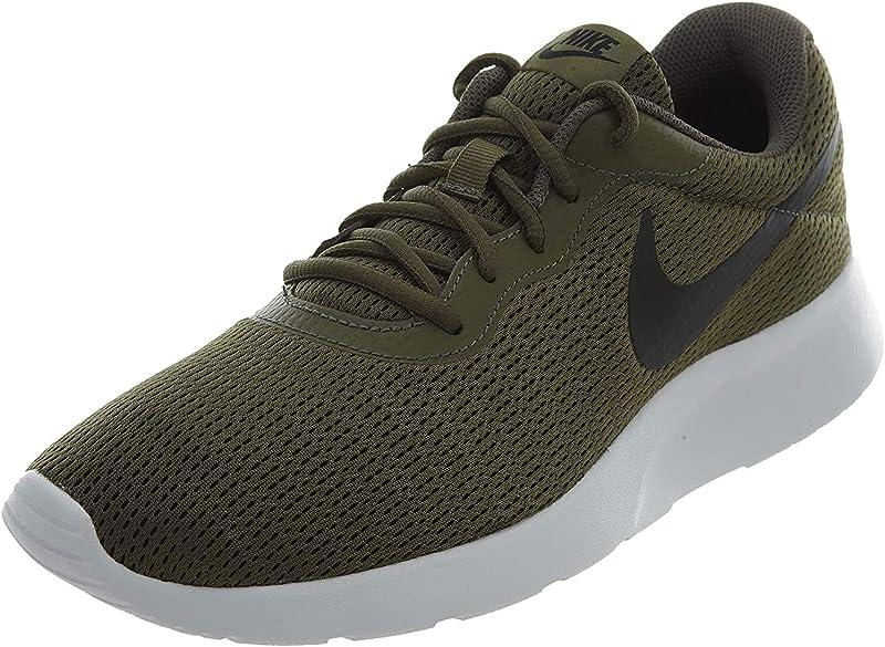 Nike Tanjun Sneakers Laufschuhe Herren Olivgrün mit schwarzen Streifen