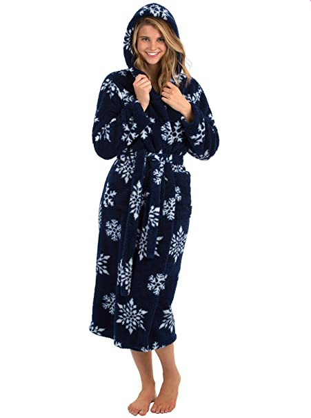 0e49f42ad6 VEAMI Women s Warm Fleece Bathrobe with Hood at Amazon Women s ...