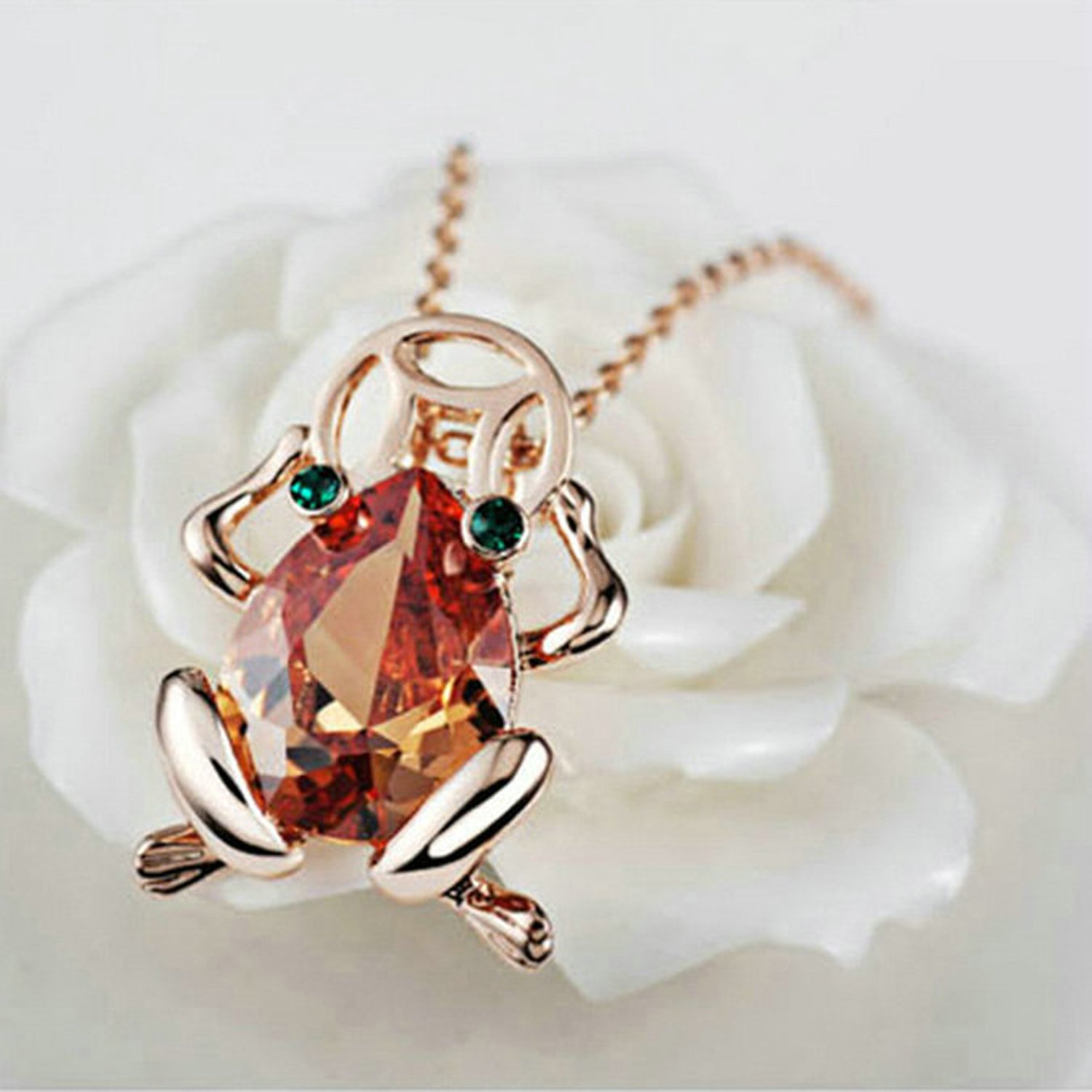Yoursfs Stylish 18ct Rose Gold Plated Necklace with Green Crystals Eyes Frog Pendant Necklace 9cJbji