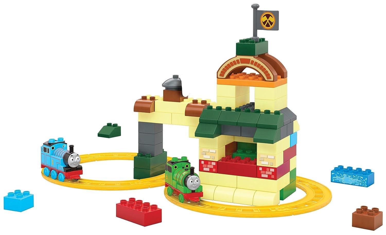 Amazon.com: Mega bloks Thomas & Friends Fun at Tidmouth Sheds: Toys ...