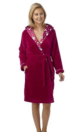 3f4b643e24 Luxury Soft Fleece Polar Bear Hooded Robe  Dressing Gown  Wrap Red or Navy  10
