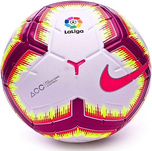 NIKE La Liga Strike 2018 2019 Liga de España Blanco Talla 4, 8-12 años: Amazon.es: Deportes y aire libre