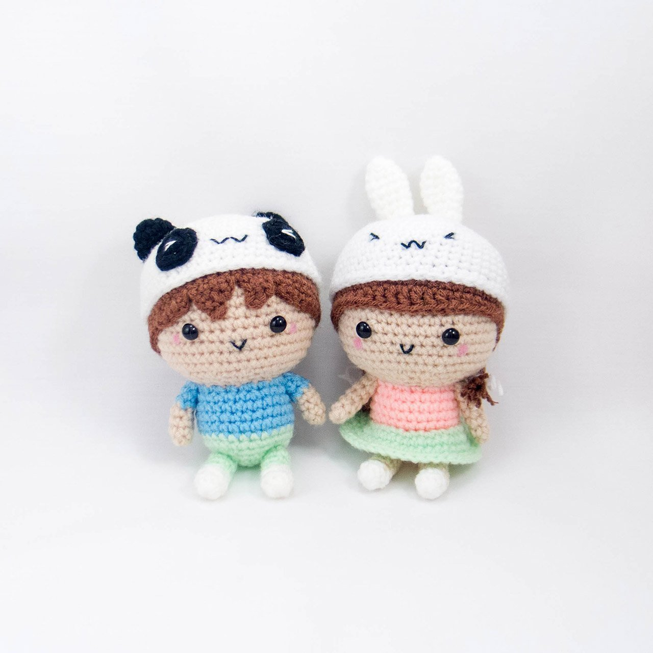 Loving Bride and Groom Wedding Dolls   Crochet dolls free patterns, Wedding  doll, Crochet dolls   1280x1280