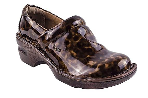 d44da7e2db8d Amazon.com  Born Womens Margaret Closed Toe Clogs