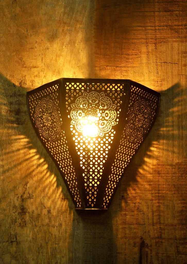 Logam Vintage Moroccan Wall Lamp