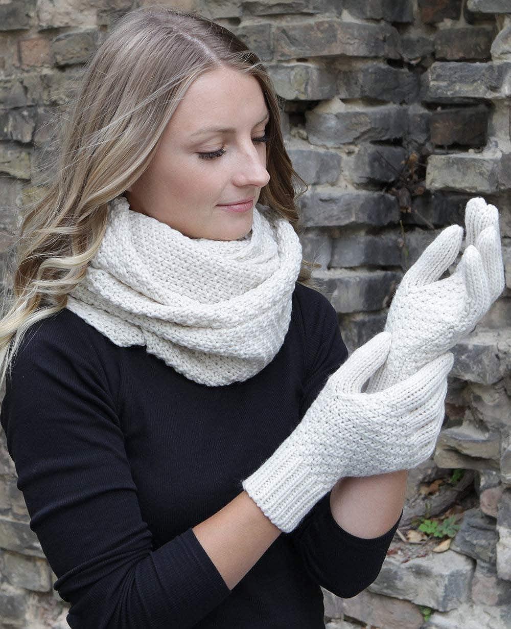 284b4eb4ef62cd 2-tlg Hilltop Winter Kombi Set aus Schal und wahlweise Handschuhe oder  Handwärmer versch Farben