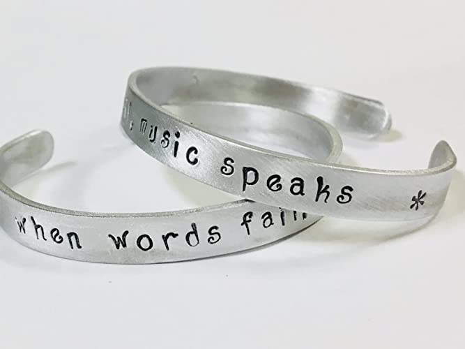 Amazoncom When Words Fail Music Speaks Music Musician Band