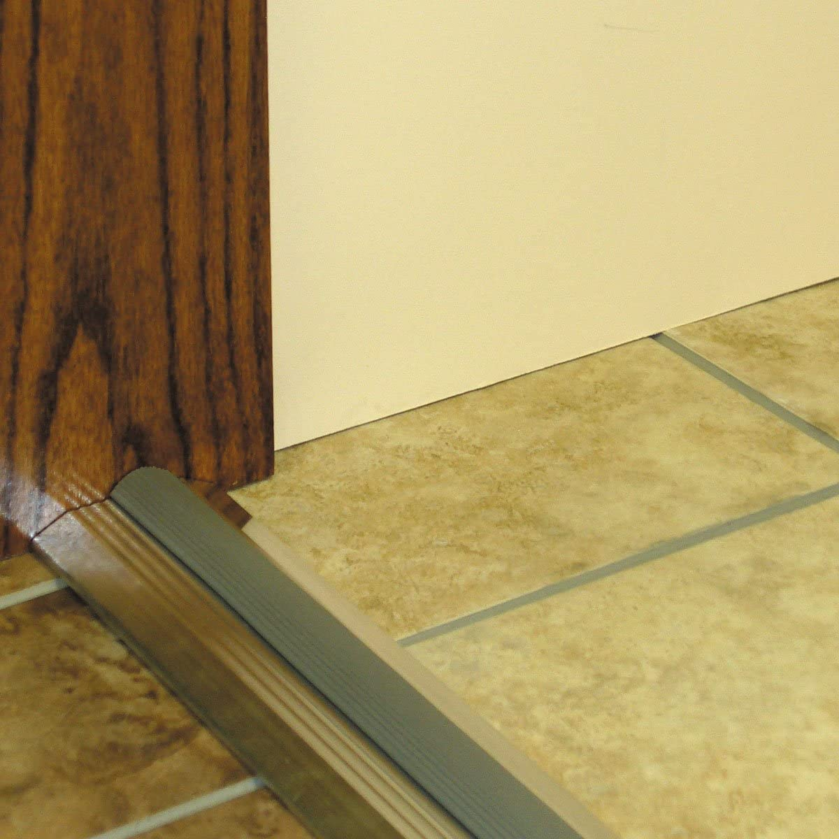 M D Building Products 8102 M D 0 Deluxe Heavy Duty Door Threshold With Vinyl Seal 3 3 4 In W X 36 In L X 3 4 In H Silver Door Thresholds Amazon Com