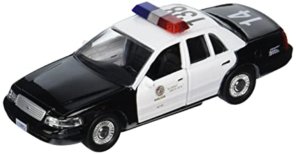 Amazon Com Daron Lapd Crown Vic Police Car 1 43 Scale Toys Games