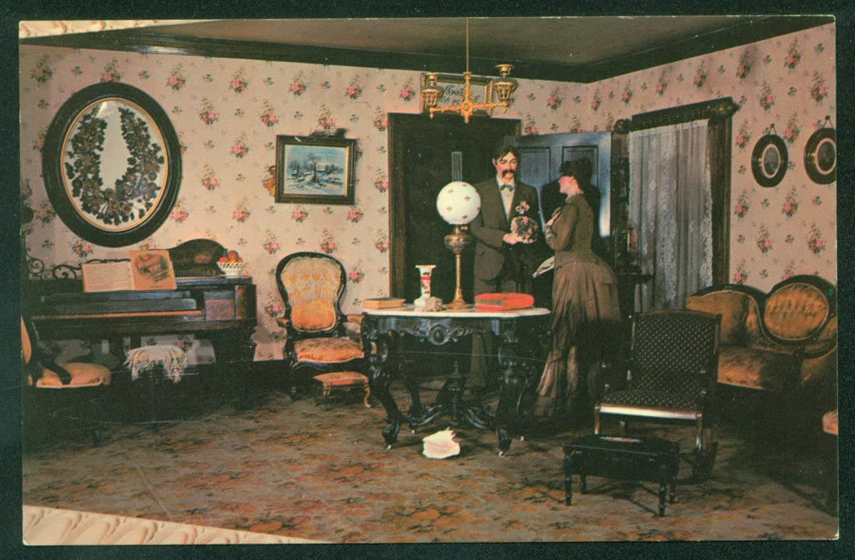 Victorian Living Room At The Museum Of Science And Industry Chicago Vintage Postcard Postcard Home Kitchen