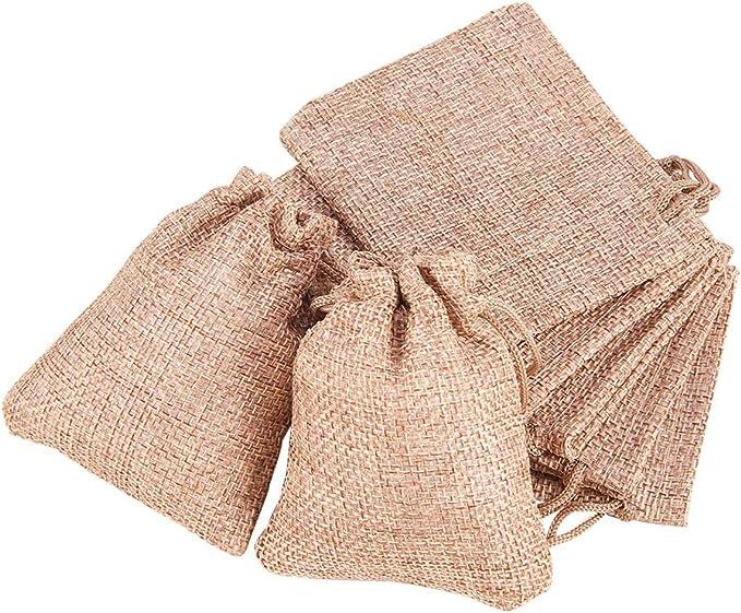 Imagen deBENECREAT 25 PCS Bolsas de Arpillera con Cordón Envase de Regalo Color de Lino para Fiesta Boda y Almacenamiento de Cosas Pequeñas 9x7cm