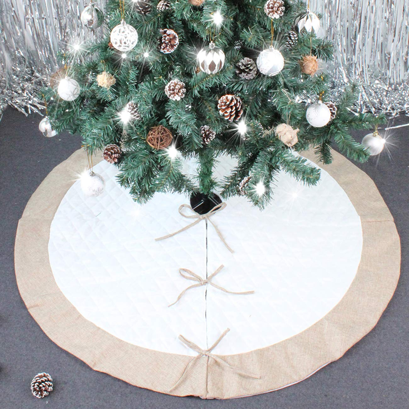 ShiyiUP Red Christmas Tree Decoration Skirt with Bows for Merry Christmas Party Decoration