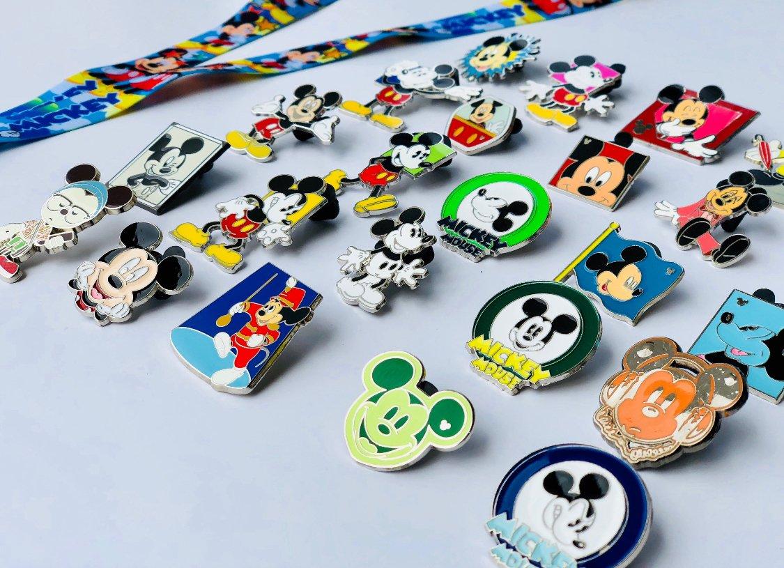 Disney Pins Alice in Wonderland Lanyard, Trading Pins + Tips & Tricks Guide (Alice in Wonderland Lanyard Set + 12 Pins)
