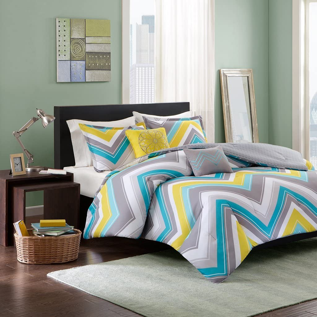 Intelligent Design Elise Comforter Set Twin/Twin XL Bedding Sets - Blue, Yellow, Grey, Cheveron – 4 Piece Teen Bed Set