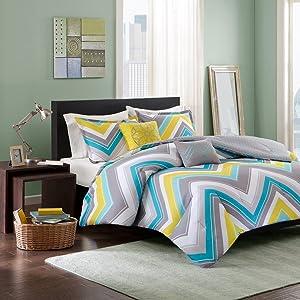Intelligent Design Elise Comforter Set Full/Queen Bedding Sets - Blue, Yellow, Grey, Cheveron – 5 Piece Teen Bed Set – Peach Skin Fabric Bed Comforter