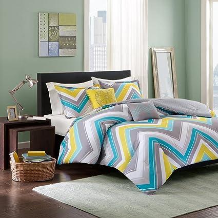Amazon Com Intelligent Design Elise Comforter Set Full Queen