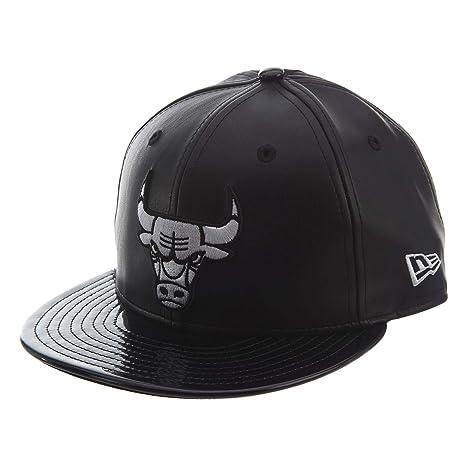 timeless design 53409 07d35 New Era Chicago Bulls Retro Hook Black White Adjustable Snapback Hat (Black)