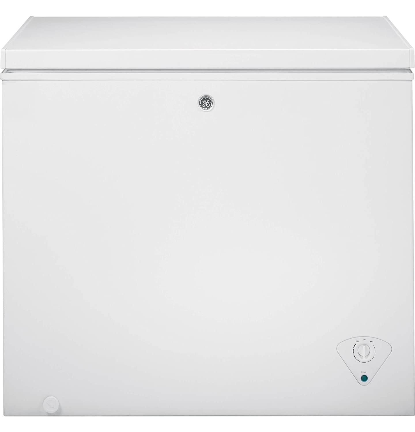 3. GE FCM7SKWW 7 Cu. Ft. White Chest Freezer