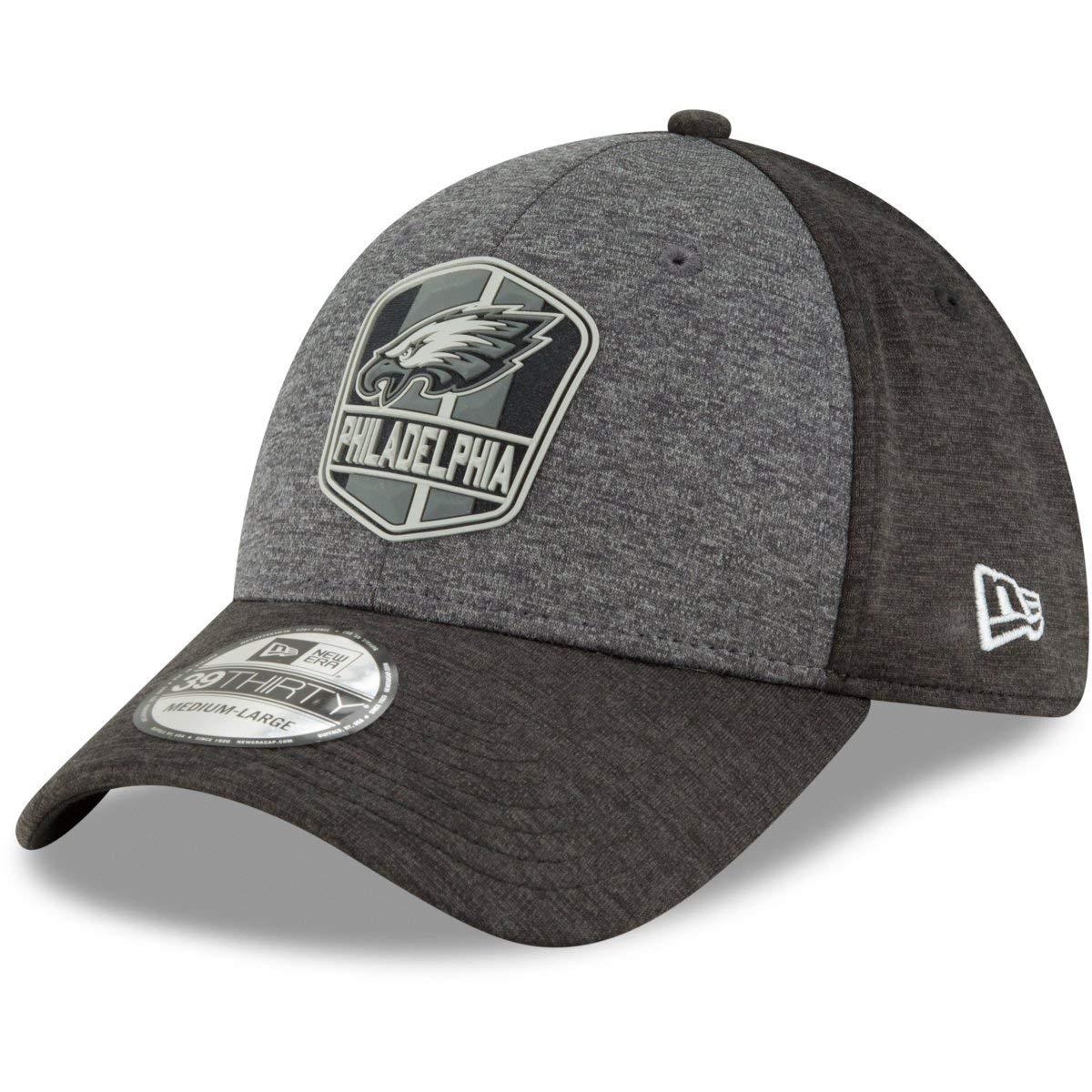 meet ea0c6 c6f5f Amazon.com  New Era Philadelphia Eagles 2018 NFL Sideline Official 39THIRTY  Flex Hat –Black Grey  Sports   Outdoors
