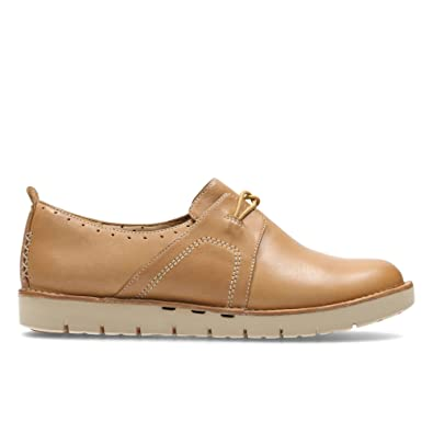 b0fb1408b2a Clarks Un Ava Leather Shoes In Light Tan Wide Fit Size 8  Amazon.co.uk   Shoes   Bags