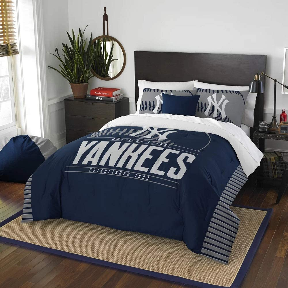 3 Pc MLB Yankees Queen Comforter Set, Beautiful American Baseball League Team Logo Boys Bedding Set,Stylish Side Print Bold Color Fun Entertainment Sports Lover Soft Navy Red Comforter Pillow Included
