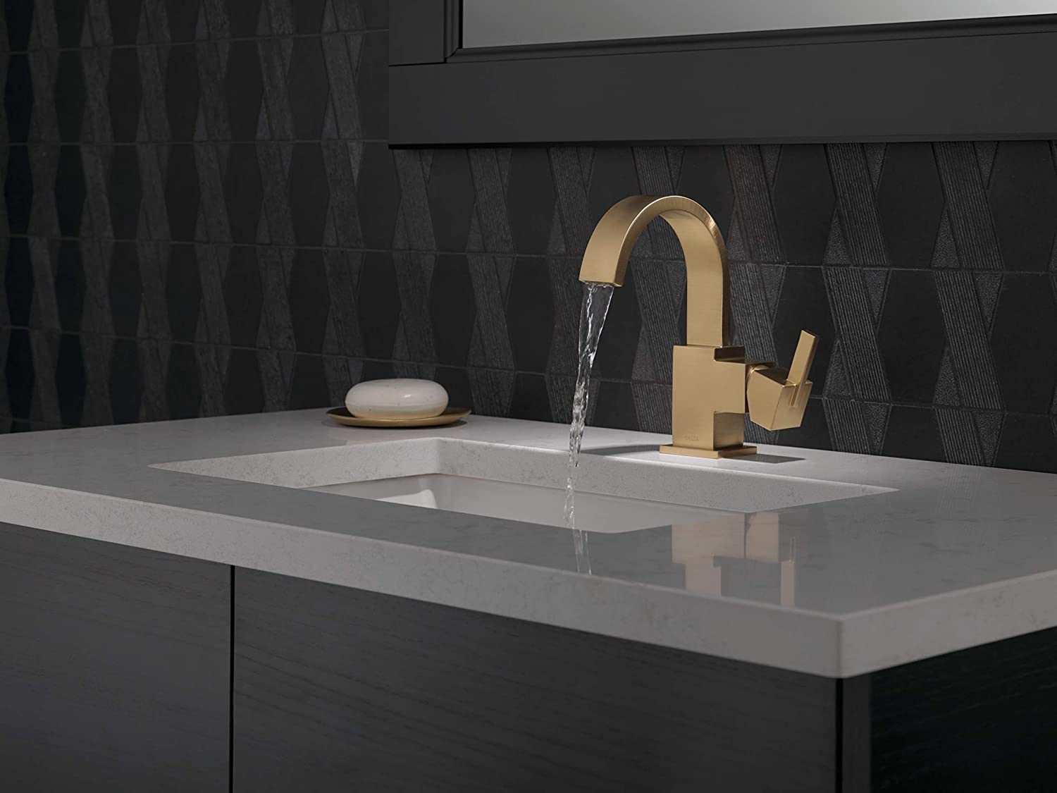 Delta Vero Single-Handle Bathroom Faucet with Metal Drain Assembly ...