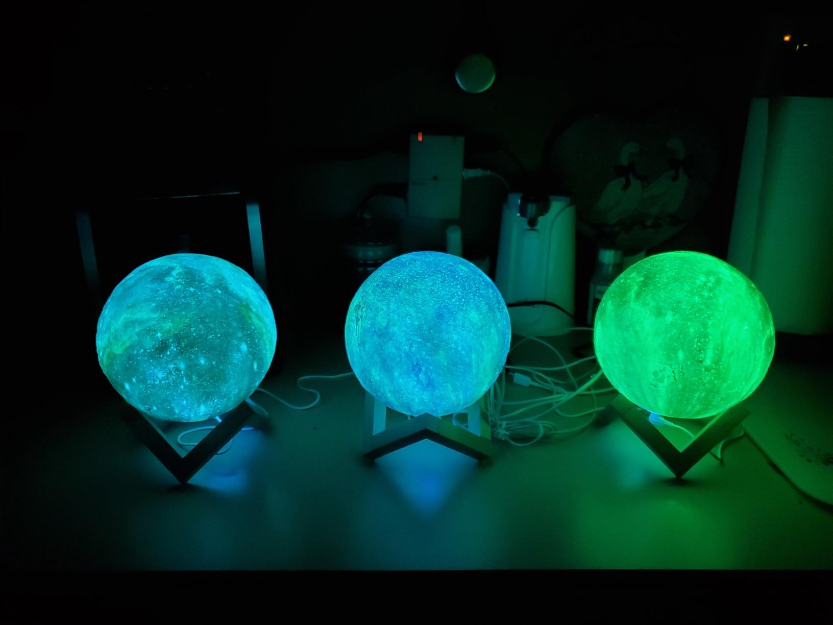 16 Color 3D Galaxy Star Kids LED Luna Lamp 20CM AU (20CM) photo review